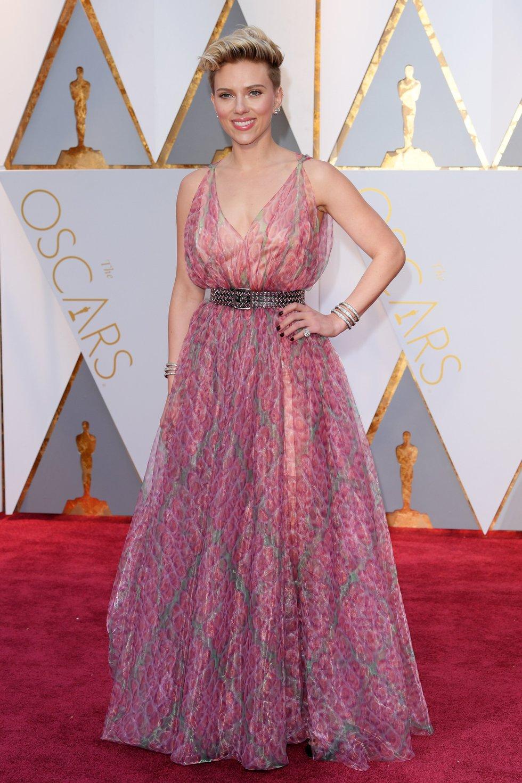 Https Fashion Baddie Winkle Interview Instagram Bennett Flo Pearlised Leather Cluth Pink Scarlett Johansson 1