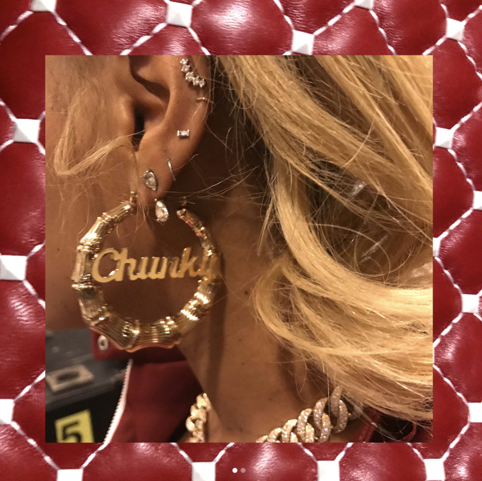 Https Books From Short Stories To Epic Journeys 10 Tendencies Sling Bag Twin Side Pocket Burgundy Maroon Beyonce Offers Up Some Ear Piercing Inspiration
