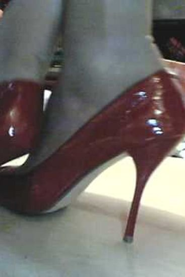 50dd5e0119f https   www.stylist.co.uk fashion show-us-your-shoes 94534 2011-08 ...